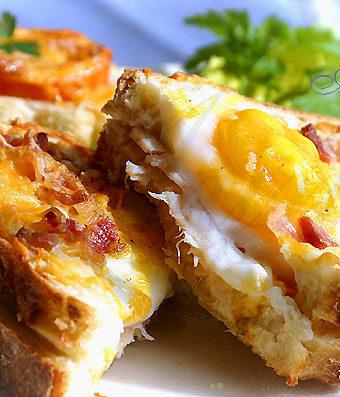 Сэндвич запечённый с яйцом