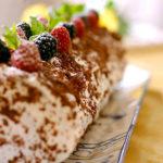Шоколадно – сливочный рулет