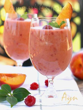 Персиково-малиновый смузи