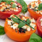 Запечённые помидоры с сыром фета