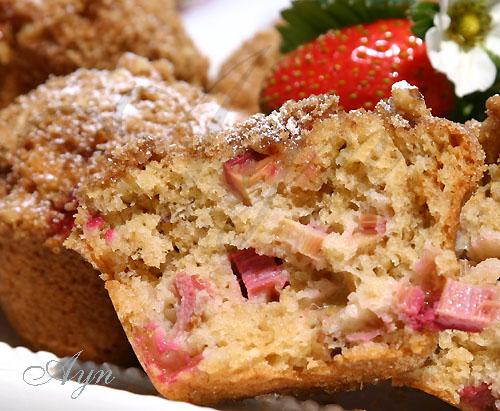 rhubarbmuffins