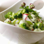 Салат из брокколи и редиса