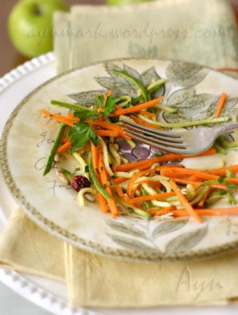Салат из моркови и цуккини